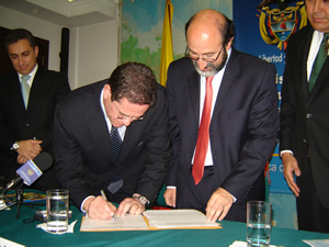 Signing of the convenio
