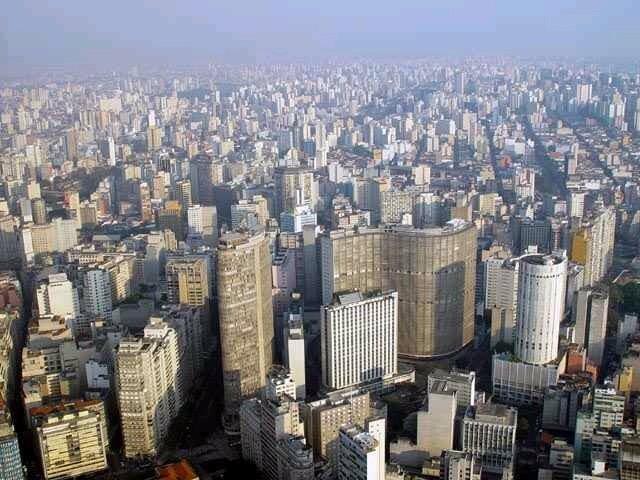 Sao Paulo skyline Source: http://www.fotosedm.hpg.ig.com.br/