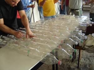 putting the PET bottles together (click to enlarge) (photo: AEN)